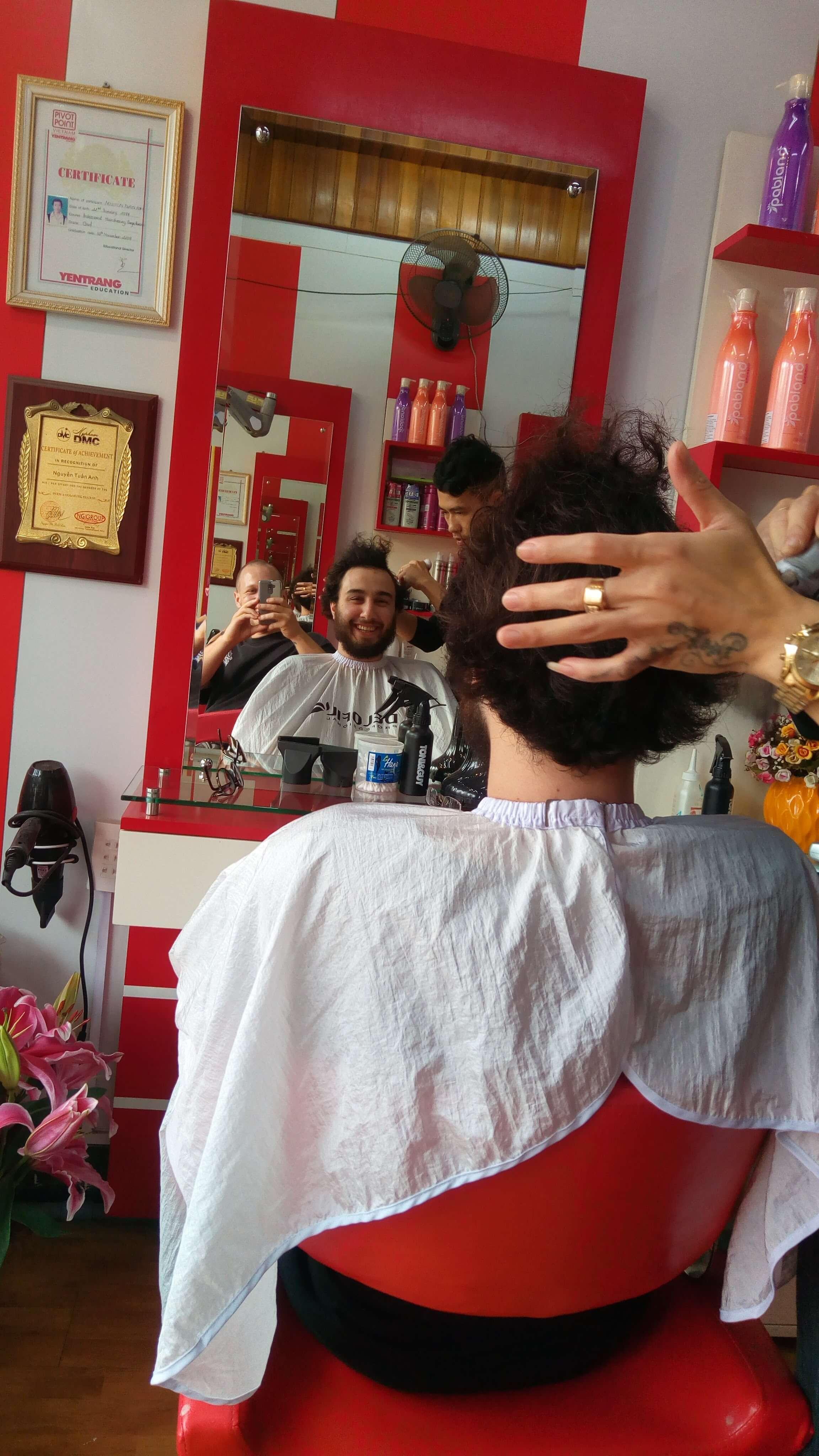 halong-city-hairdresser1